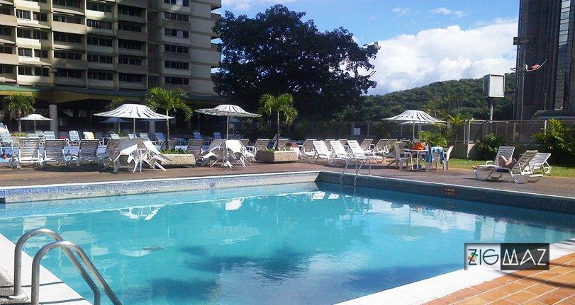 Hotel Venetur Alba Caracas, una piscina muy relajante