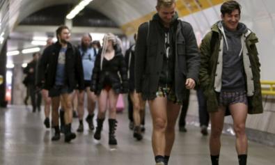 Zigmaz - El dia sin pantalones en el metro