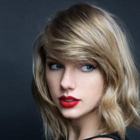 Taylor Swift  en el primer lugar