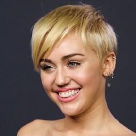 ¡EXTRAÑA POLÉMICA! Miley Cyrus causó controversia en las redes sociales