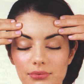 Ejercicio para que tus ojos y sienes se relajen después del trabajo