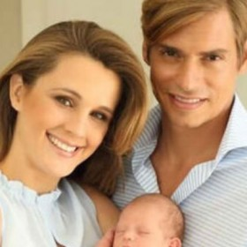 ¡HERMOSO! Carlos Baute y su esposa bautizaron a su hijo en Madrid