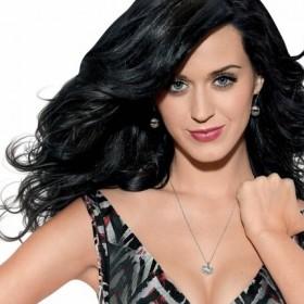 ¡INESPERADO! Katy Perry se desnudó para apoyar a Hillary Clinton