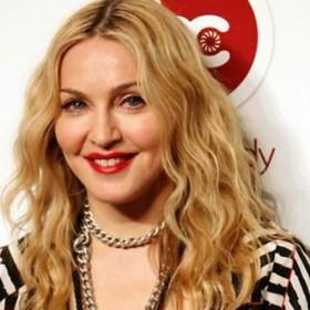 ¡SIGUE CON LA TENDENCIA! Madonna también se desnudó en apoyo a Hillary Clinton