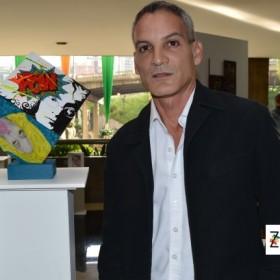 El artista plástico Carlos Chirinos estallará tus ojos con su 'Explosión de Color'