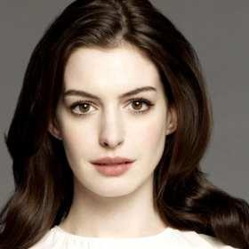 ¡HERMOSO! Anne Hathaway comparte primera imagen de su hijo