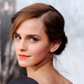 """¡PARA LOS HOMBRES! Emma Watson posó en """"topless"""" para Vanity Fair"""