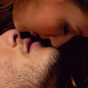 ¿Beso blanco? Conoce la nueva tendencia sexual al estilo pornstar