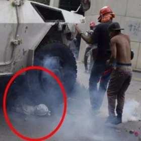 Manifestante es arrollado por una tanqueta de la GNB