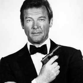 Sir Roger Moore, actor de James Bond, muere a los 89 años