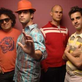 Amigos Invisibles se manifiestan en un concierto en New York  por situación de Venezuela