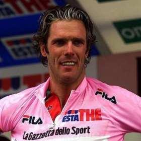 Presentan cargos al ciclista Mario Cipollini por tratar de ahorcar a su exesposa