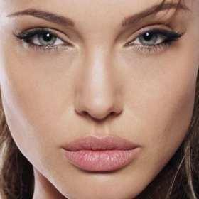 Este es el tip que debes tener en cuenta para lograr unos hermosos labios como Angelina Jolie
