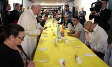 presos se fugan en un reunion con el papa