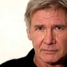 ¡Lo volvió hacer! Harrison Ford ayuda a una mujer que se encontraba  en peligro