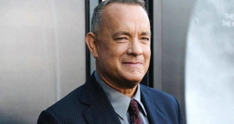 Tom Hanks sorprende a una mujer cantando «Feliz cumpleaños» mientras cenaba