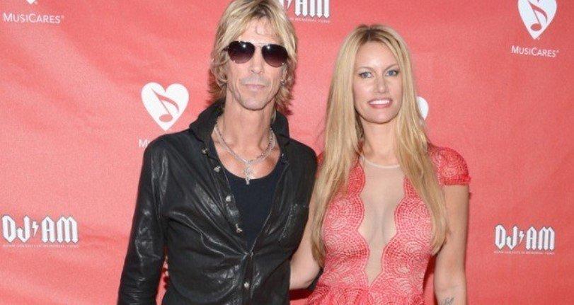 La esposa de Duff McKagan revela el secreto del matrimonio duradero con el rockero de Guns N'Roses